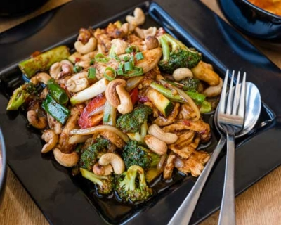 an image of our chicken cashew nut stir fry